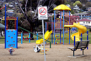 Australia, sign, signs, smoke, smokes, smoker, smokers, smoking, cigarette, cigarettes, pollution, tobacco, nicotine, cancer, playground, playgrounds, childrens playground, childrens playgrounds, child safety.