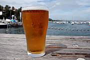 Australia, New South Wales, sydney, glass, glasses, beer, beverage, beverages.