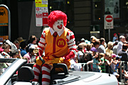 Australia, New South Wales, sydney, parade, parades, christmas, christmas scene, christmas scenes, ronald macdonald, macdonald, macdonalds, car, cars, crowd, crowds, sign, signs, wig, wigs, people.
