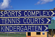 Sign, signs, parking, tennis, tennis court, tennis courts, kindergarten, kindergartens, sport.