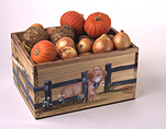 Box, boxes, wood, wooden, TIMBER, crate, crates, onion, onions, vegetable, vegetables, pumpkin, pumpkins, mixed vegetables.