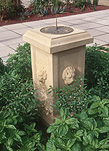 Garden, gardens, Sundial, sundials, clock, clocks, early clock, early clocks, early time piece, early time pieces, time, timekeeping, time keeping.