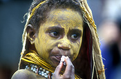 New guinea, papua new guinea, mount hagen, mt hagen, mount hagen show, mt hagen show, ceremony, ceremonies, people, child, children, jewellery, necklace, necklaces, people, performer, performers, face paint, face paints, face painting, body paint, bodypaint, tribe, tribes, tribal.